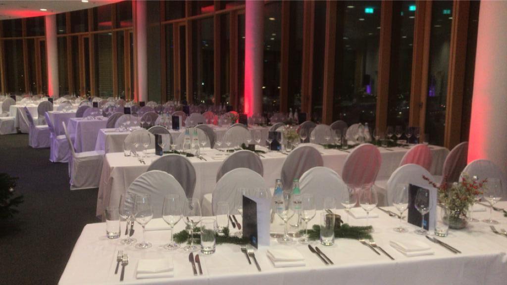 Klassisches Gala-Dinner zu Weihnachten